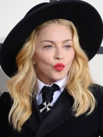 10 cosas que NO sabías sobre el labial rojo de las famosas