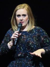 Adele y otras famosas que sufrieron depresión postparto