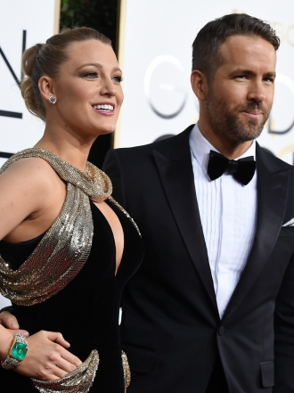 Blake Lively y Ryan Reynolds y otras parejas de los Globos de Oro 2017