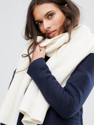 5 bufandas de ASOS para afrontar una ola de frío con estilo