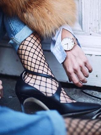 Medias de rejilla: 6 maneras de llevarlas a la moda