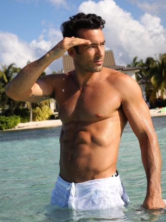 Aaron Díaz: las fotos más sexys del actor mexicano