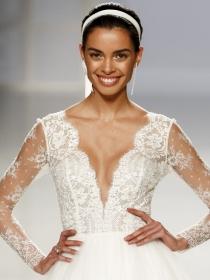 15 vestidos de Rosa Clará para una novia moderna y chic