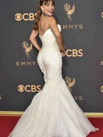Emmys 2017: Cómo ir vestida a una fiesta según tu edad