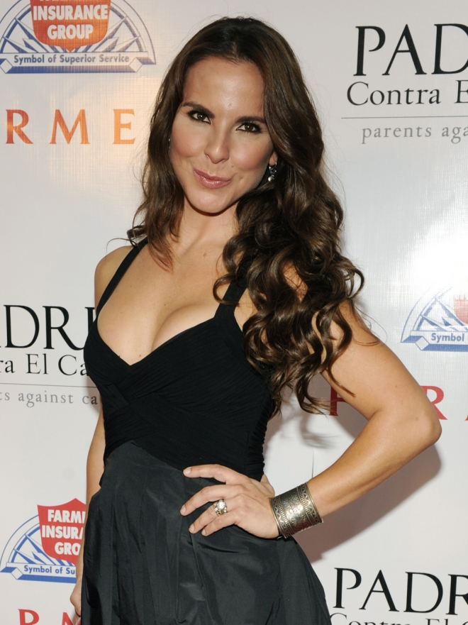 Eva Longoria y Kate del Castillo, sexo lésbico en 'Without Men'
