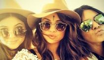 Selena Gomez, de fiestón con sus amigas en Coachella 2014