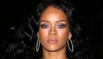 Las fotos más 'hot' de Rihanna que Instagram no quiere que veas