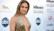 Jennifer Lopez y David Gandy, en el videoclip más sensual de First Love