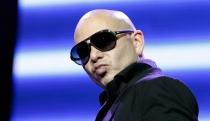 Pitbull, acusado de machista por sus canciones y videoclips pornográficos