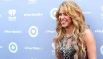 Shakira se desnuda para enseñar su sonrisa