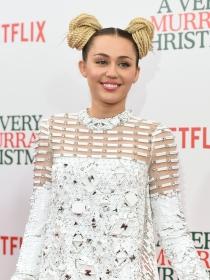 Miley Cyrus, cerca de Liam, sienta la cabeza con Woody Allen