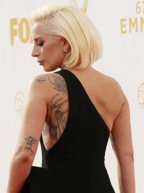 Lady Gaga o Miley Cyrus: ficha los tatuajes de las famosas