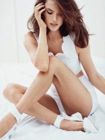 Todos los secretos de estilo de Alessandra Ambrosio