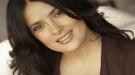 Salma Hayek y sus raros trucos de belleza: no lavarse la cara, raparse el pelo...