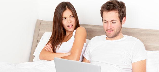 Resultado de imagen para hablar de amor con tu pareja a traves de internet