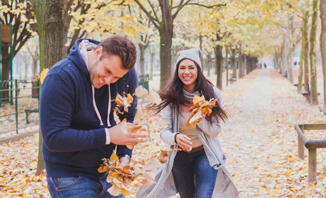 Sexo en otoño, un buen momento para tener relaciones sexuales
