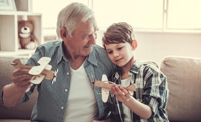 Así es el papel de los abuelos en la familia