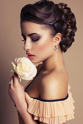 El maquillaje ideal para morenas saca partido a tu tez oscura
