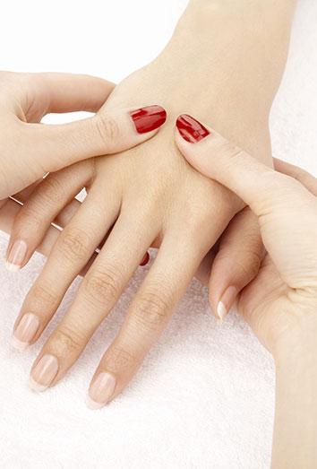 Los masajes son una parte imprescindible de la manicura spa