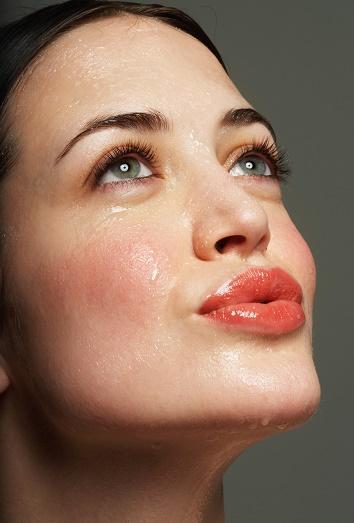 La causa komedonov en la piel