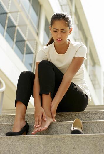 10 trucos para eliminar el mal olor de pies de los zapatos - Quitar olor a pis de gato ...