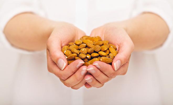 Dieta de la mano: contrólate al comer