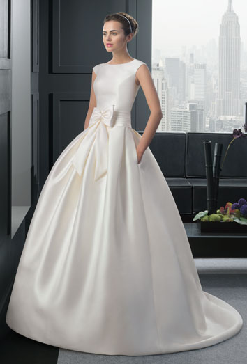 Vestidos de novia baratos de la colección de Rosa Clará