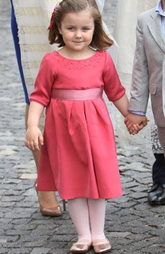 Vestidos De Bautizo Para Niñas Cómo Vestirlas Para Una