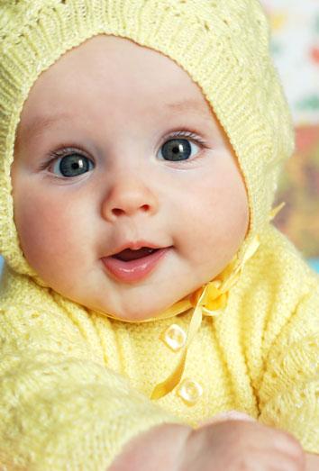 Vestidos de bebé a crochet: trajes artesanales tejidos a ganchillo
