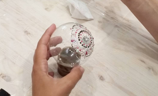 C mo hacer bolas de navidad en casa - Bolas navidad transparentes ...