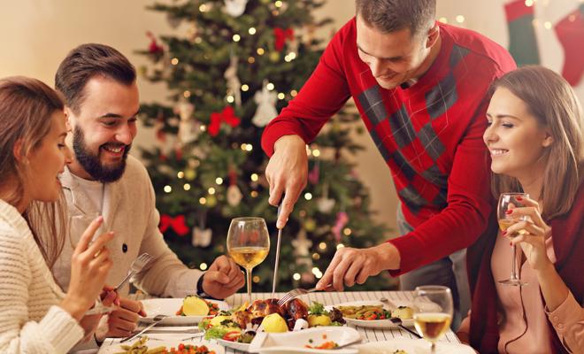 Cómo organizar la cena de Navidad con los amigos