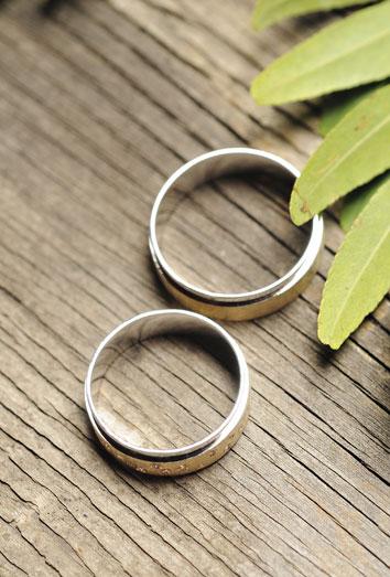 6be0d6b9bfe0 Qué significa soñar con anillos  poder y unión