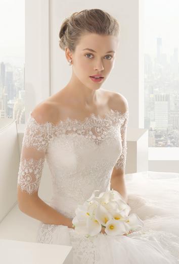 Mujer vestida de novia que significa