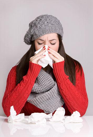 El dolor de garganta es uno de los síntomas del resfriado común