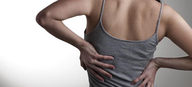 Duele en el lado izquierdo de la espalda a embarazado