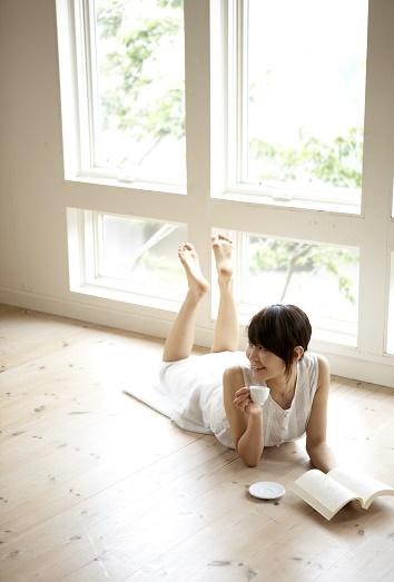 Mal olor de pies en casa c mo eliminarlo de tu hogar - Eliminar olor tabaco casa ...