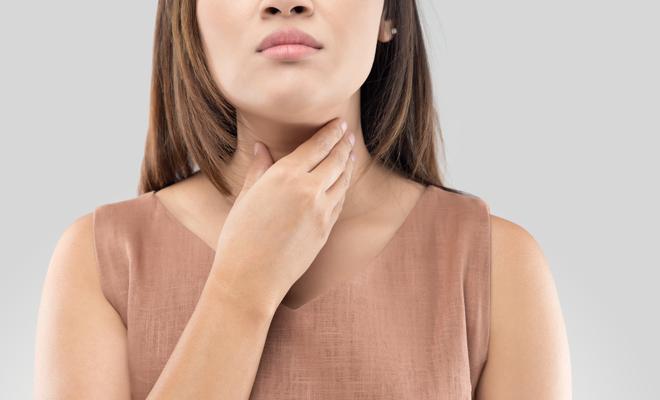 a que se debe el dolor de garganta constante